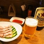桃谷温酒場 - むし豚 & 瓶ビール(大瓶)