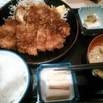 56896236 - 日替わりお肉定食(チキンカツ)