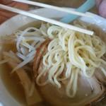56896559 - 麺は少しふと麺で量も多い!