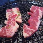 56896983 - 肉はけっこう旨いです