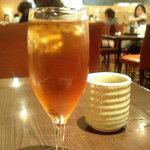 さき亭 - 黒豚ヒレカツ膳に付いてきた烏龍茶