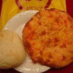 5690690 - パリパリ海老せんべいとハイジの白パン