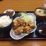 千番 - カラアゲ定食750円