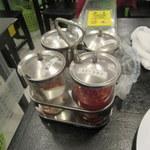 タイキッチンパクチー - テーブル上の調味料