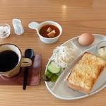 フィールイージーカフェ - モーニング(全体)
