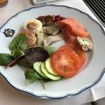 the Veranda - 料理写真:サラダが豊富でした〜♪