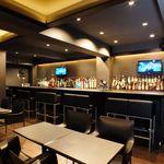 牡蠣&海老バル EAST BLUE - カウンター・テーブル・個室とご用意しております。