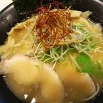 鶏冠 - 鶏白湯塩:750円(2016.9)