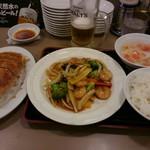 56907430 - □ディナーセット⑨ 海老とブロッコリーのオイスターソース炒め・餃子 1100円(外税)□