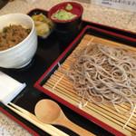 山あり谷あり - 料理写真:ぴりから坦々丼