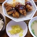 豚太郎 - チキンカツセット  550円