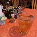 56911993 - お茶は、おおきなコップで供されます(^^)