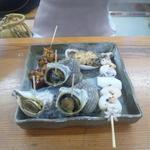 魚たつ - 料理写真:海鮮焼き各種:にし貝・つぶ貝・サザエ・鮑・えび&いか えび&いかのクオリティーがイマイチでしたが、あとはおいしかったです♪ 2016/10/02