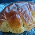 シナモンベーカリー - クリームパン