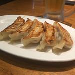 肉餃子専門店 THE GYO - ルービー焼き餃子セットの餃子