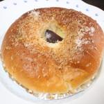 フクロウパン - モンブラン・クリームパン