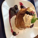 Cafe Madu ららぽーとTOKYO-BAY店 - ブルーベリーとクリームチーズのフレンチトースト(^∇^)♪