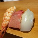 一心太助 - 酔っ払いが〆に寿司3貫 お贅沢な〆だわ♡