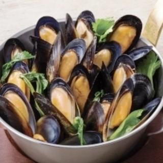 食べるべき逸品【ムール貝のワイン蒸し】