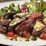 牛フィレ肉のカットステーキ クアトロマスタード添え