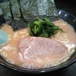56954310 - しょうゆ豚骨(カタメ)680円