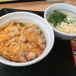 なか卯 - 親子丼(並)と小うどんはいからセット590円