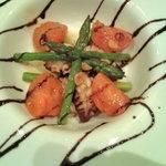 和風居酒屋 竹家 - 関門タコとアスパラ、フルーツトマトのオリーブオイル焼き