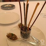56963864 - 3種のグリッシーニ(胡麻、パルメザンチーズ、全粒粉)・菊芋と玉ねぎとトピナンブール