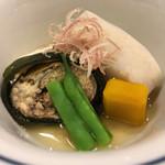 湖月 - 子持ち鮎と里芋、かぼちゃの炊き合わせ、綺麗に角撮りされた根菜の端正な事!