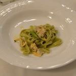 ハミルトン宇礼志野 - アサリ貝とアスパラガスの平麺