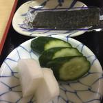 淀 - 旅館の朝食みたい。味海苔。