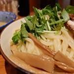 百日紅 - 煮干しつけ麺