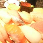 回転寿司 魚浜 - にぎり 800円 10貫
