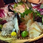 羅漢 - お造り桶盛りで魚は石鯛