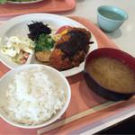 イイオ食堂 - 料理写真:【Eディッシュ】(320円税込)【小ライス+味噌汁セット】(150円税込)