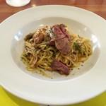レストラン トロアの森 - 牛脂の旨味たっぷりのペペロンチーノ