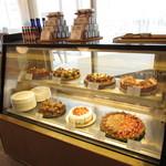 Fruit Parlor 別品堂 - ショーケース:パティスリートゥーストゥースのケーキ