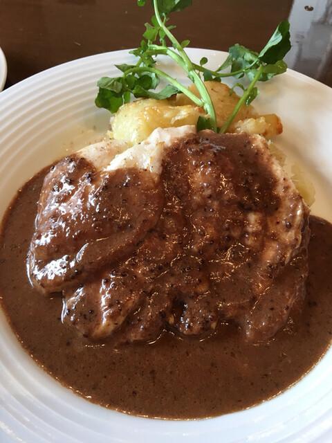 レストラン大宮 - 蒸し鶏のソテー 粒マスタードソース