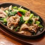 島たいむ がんじゅう - 黒豚アグーと青菜の熱々鉄板焼き