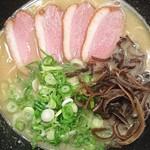 ちらん - 塩白湯750円さらさらした鶏白湯が酸味とのバランス良く美味しいスープでした