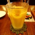 cafe U_U - アイスロイヤルミルクティー。