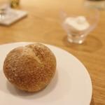 56994146 - 自家製ライ麦パン ケフィアヨーグルト