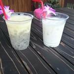 光楽園 - パイナップルと白ドラゴンフルーツスムージーと島バナナミルク
