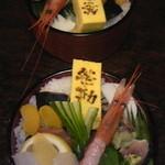 すし屋の笹勘 - この値段でこのボリュームはかなり満足