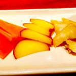 Izakayasambai - チーズの味噌漬け