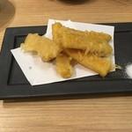 57015103 - トウモロコシの天ぷら
