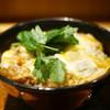 新橋 鶏繁 どんぶり子 - 料理写真:炭焼きもも肉 親子丼
