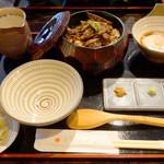 とりまぶし - とりまぶし御膳 並 1,200円。                             とりまぶし丼・温泉玉子・水炊きスープ・薬味・香の物のセットです。