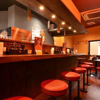 ◆チャオチャオ餃子と言えばカウンター席!御一人様でも♪