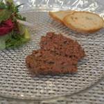 ビストロ ダイア - お客様の前で仕上げる仙台和牛ランプ肉の炙りタルタルステーキ